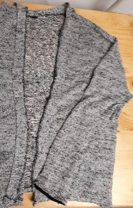Damenbekleidung - Cardigan grau langärmlich Strickjacke