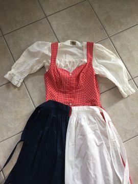 Damenbekleidung - Dirndl mit 2 Schürzen Groesse