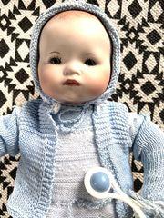 Alte schöne Porzellan-Puppe-Baby