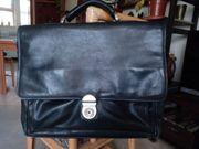 Aktentasche aus weichem schwarzem Leder