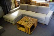 Gepflegtes 3er-Sofa mit Récamiere links