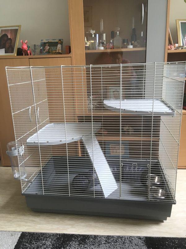 Großer Käfig