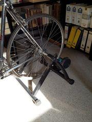 Rennrad-Rollentrainer