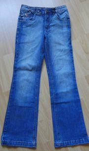 Jeans Gr 146 blau mit