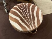 Afrikanische Trommel mit Zebra-Fell und