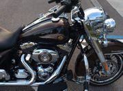 Harley-Davidson Road King FLHRC mit