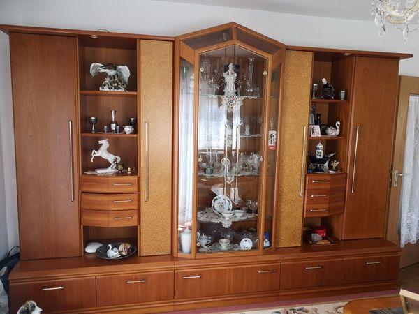 Edle Wohnzimmer-Schrankwand - Kirsche furniert zu