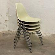 4 Stühle Eames Herman Miller