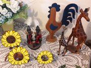 Holzfiguren Hahn und Giraffen