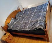 Doppelbett Massivholz mit 2 Nachttische