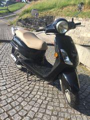 Moped Roller - SYM Fiddle II