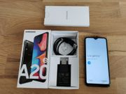 Samsung Galaxy A20e mit Riss