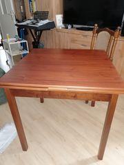 Tisch 4-6 Stühle