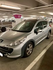 Pkw Peugeot 207 Panoramadach AHK