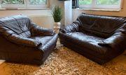 Leder-Sessel und Leder-Couch Zweisitzer
