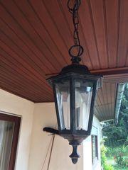 Schöne alte Lampe aus Metall