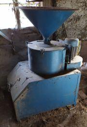 Schrotmühle mit Motor