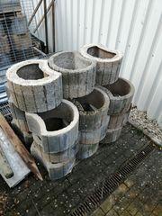 Beton-Pflanzringe und Beton-Platten