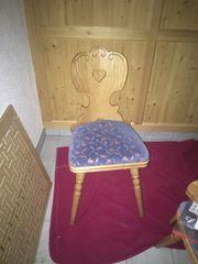 Stuhl vollholz geschnitzt