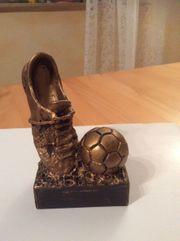 Pokal Fußball Schuh mit Ball
