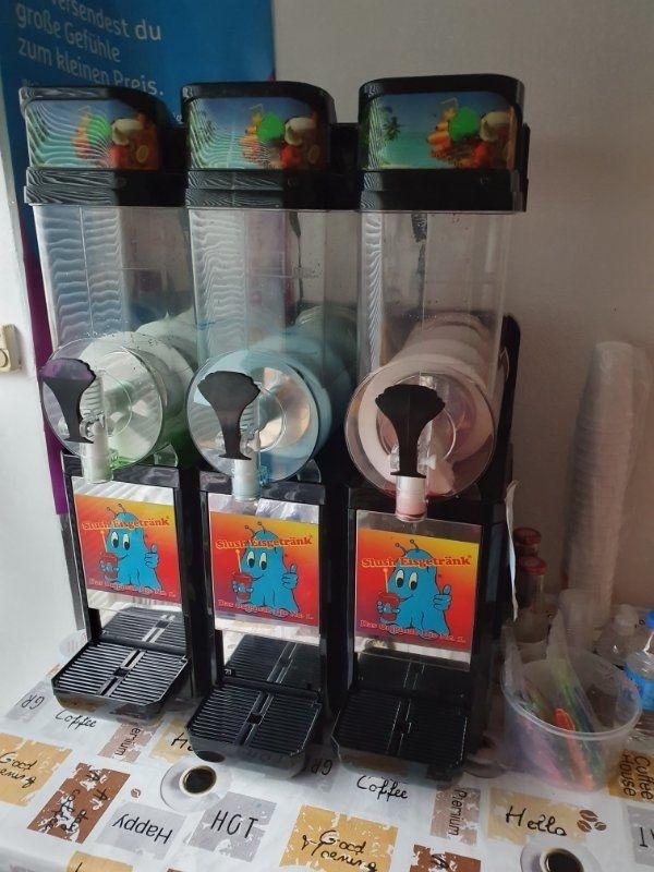 Getränkekühlschrenke Eismaschiene und Tiefkühltruhe für