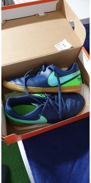 Nike Hallenfußball Schuhe 35 5