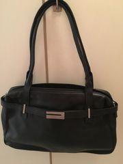 1 Echtleder-Handtasche