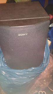 verschiedene Boxen und Lautsprecher