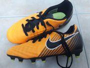 Fussballschuhe Marke Nike Gr 30