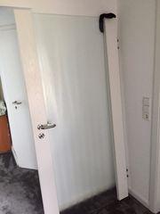 Holztür mit Glaselement günstig abzugeben