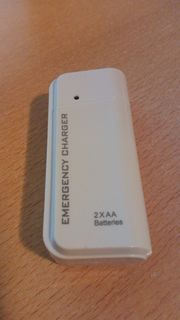 Emergency Charger - Powerbank mit AA