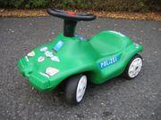Polizei-Rutschauto mit Hupe in grün