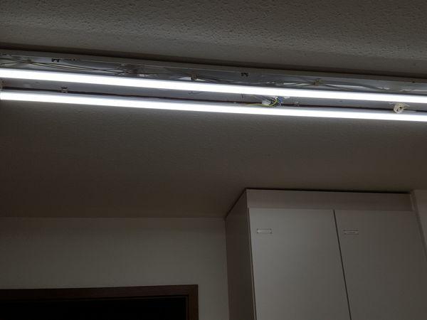 LED-Röhren-Leuchten als Ersatz für Neonröhren