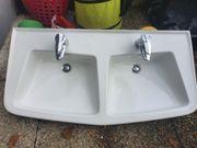 Doppelwaschbecken mit Amaturen Villeroy und