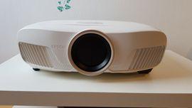 Epson EH-TW7300 LCD-Projektor 3D, 3840x2160 4K 3D LCD (Beamer)