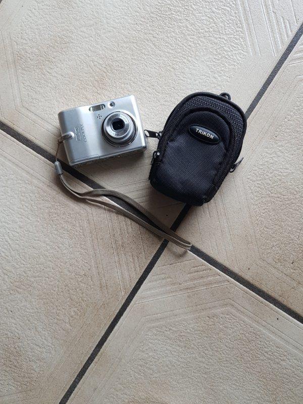 Nikon Kamera Silber ohne Speicherkarte