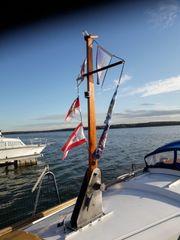 Bootsmast mit großem Edelstahlfuß