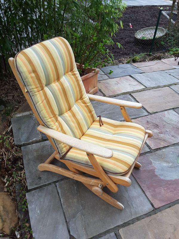 Bequemer, verstellbarer Holzgartenstuhl mit abnehmbarer ...