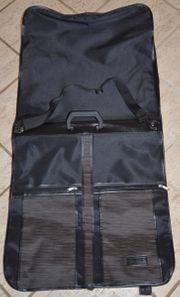 Kleidersack zum Transport von Anzügen