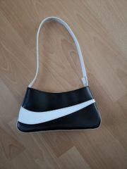 Handtasche Tasche klein schwarz weiß