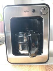 Kompakt-Kaffeemaschine mit integriertem Mahlwerk