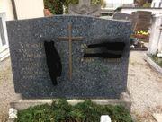 Grabstein Kreuz dunkel evtl Granit