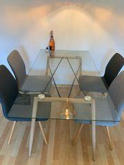 Esstisch mit 4 Stühle - Muss