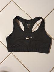 Sport BH von Nike Pro