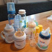 Baby-Fläschchen und Trinklernflaschen zu verschenken