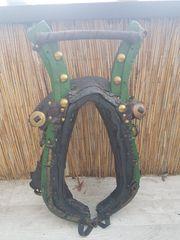 Pferdehalfter 2 Stück antik Holz