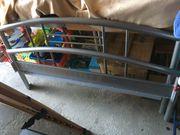 alufarbenes Metall Bett 140x200