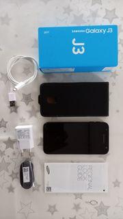 Samsung Smartphone mit Zubehör