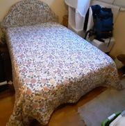 Französisches Bett mit hochwertiger Matratze