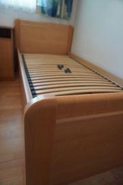 Bett inklusive verstellbarem Lattenrost und